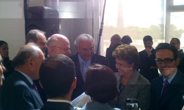 President Nilsson and other EESC members exchanging a few words with Brazilian president Rousseff