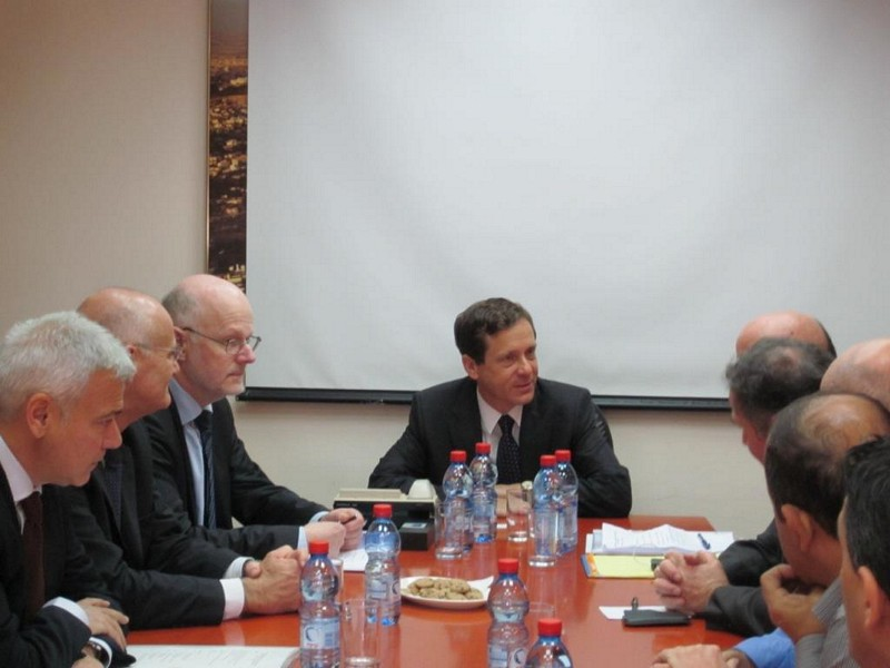 Photo 03 : 29.11. Meeting with Mr Herzog, Minister of Welfare and Social services of Israël