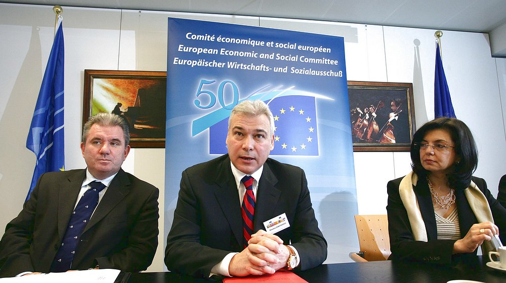 EESC President Dimitris Dimitriadis with European Commisioner for Consumers, Ms Meglena Kuneva, and Slovenian Minister of the Economy, Mr Andrej Vizjak, at the Press event of ECD 2008