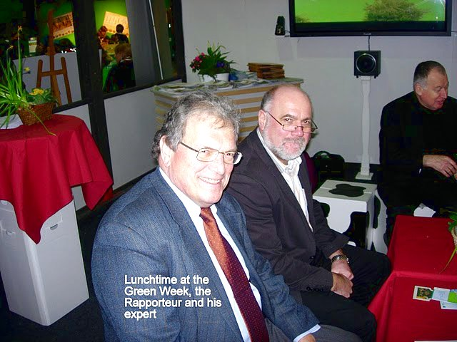 Lunchtime at the Green Week, the Rapporteur and his expert