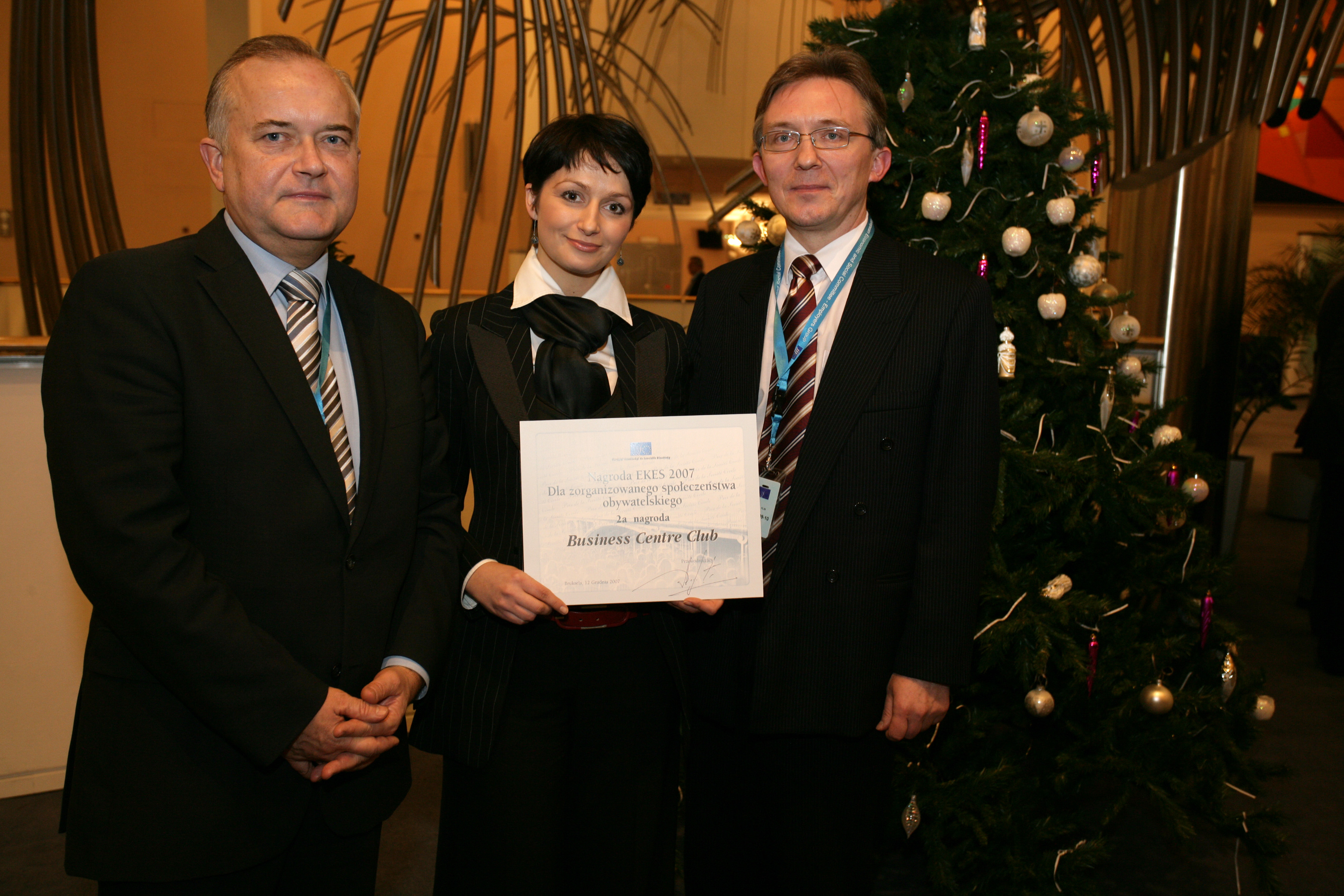 Anna Potocka, Vice President of the Business Centre Club, Poland, with the Polish EESC members Jaroslaw Mulewicz (left) and Krzysztof Ostrowski (right)