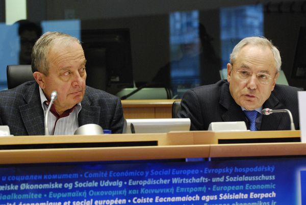 EESC president Mario Sepi and Jacques Barrot, Vice-President of the European Commission (Responsible for Justice, Freedom and Security)