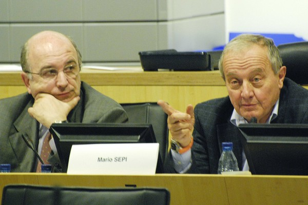Joaquín Almunia, Commissioner for Economic and Monetary Affairs and EESC President Mario Sepi