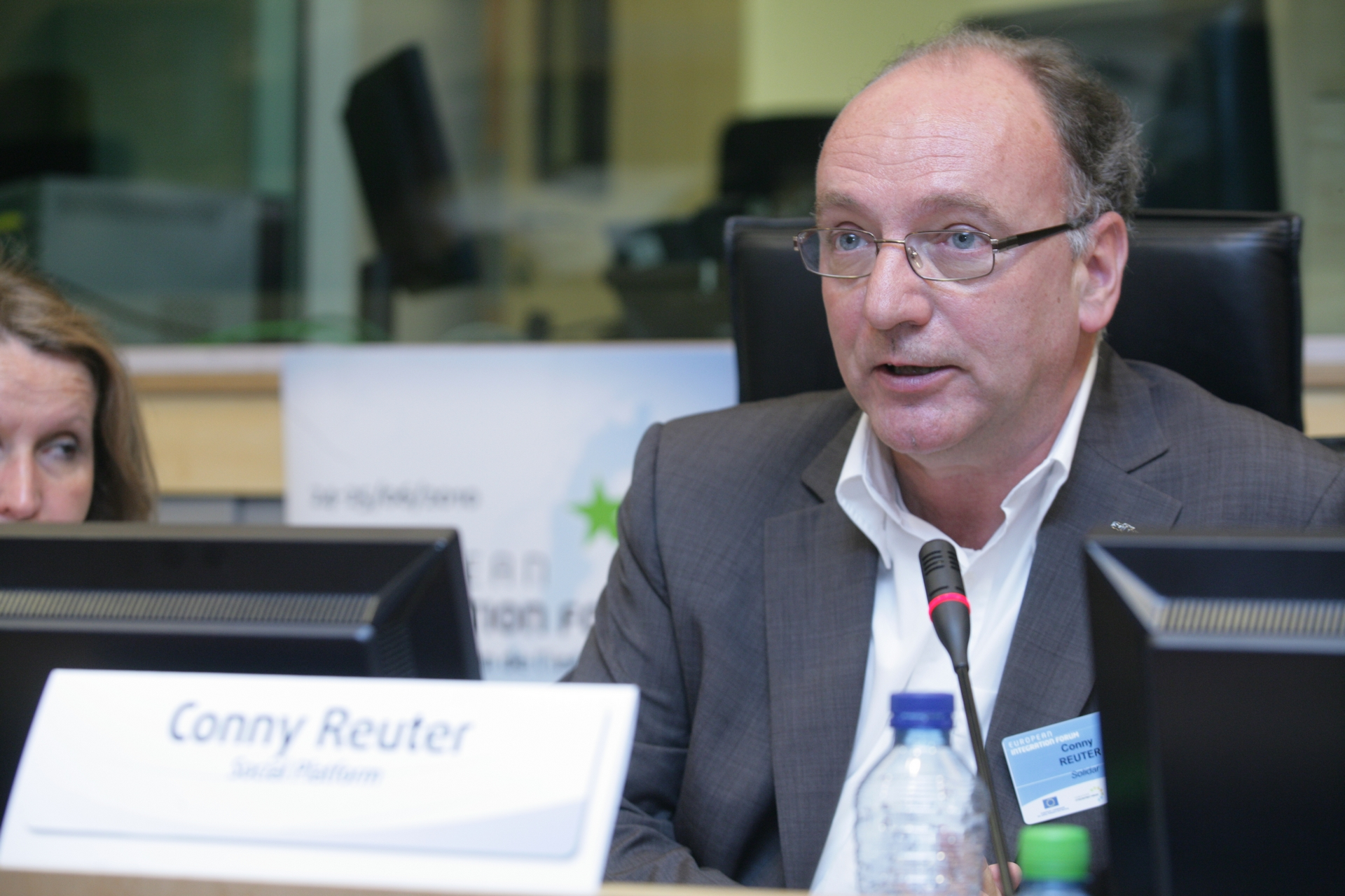 17. Conny Reuter, President of the Social Platform, chairing the conclusions session