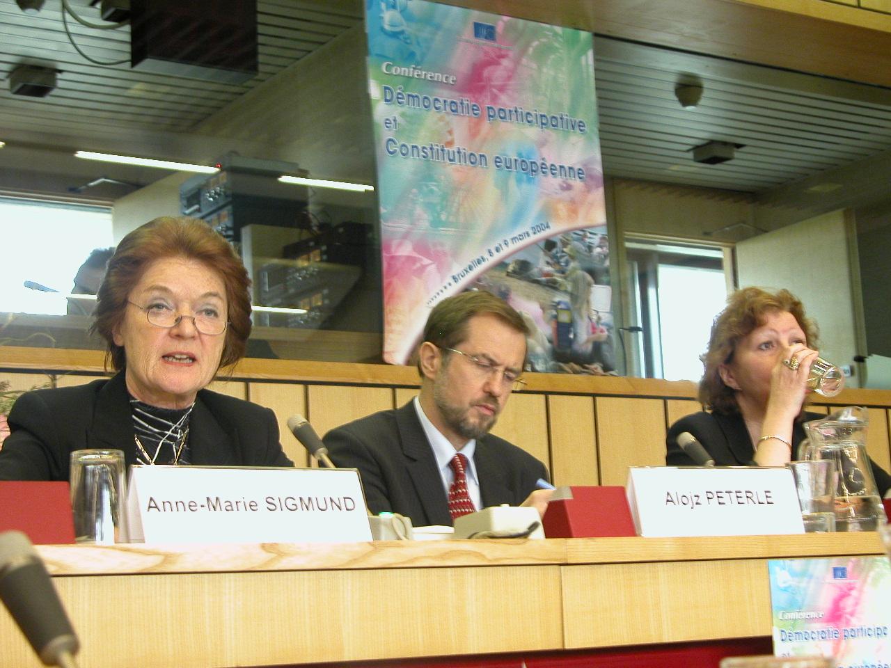 Ms Anne-Marie SIGMUND, GroMr Alojz PETERLE, Prof. Daniela OBRADOVIC