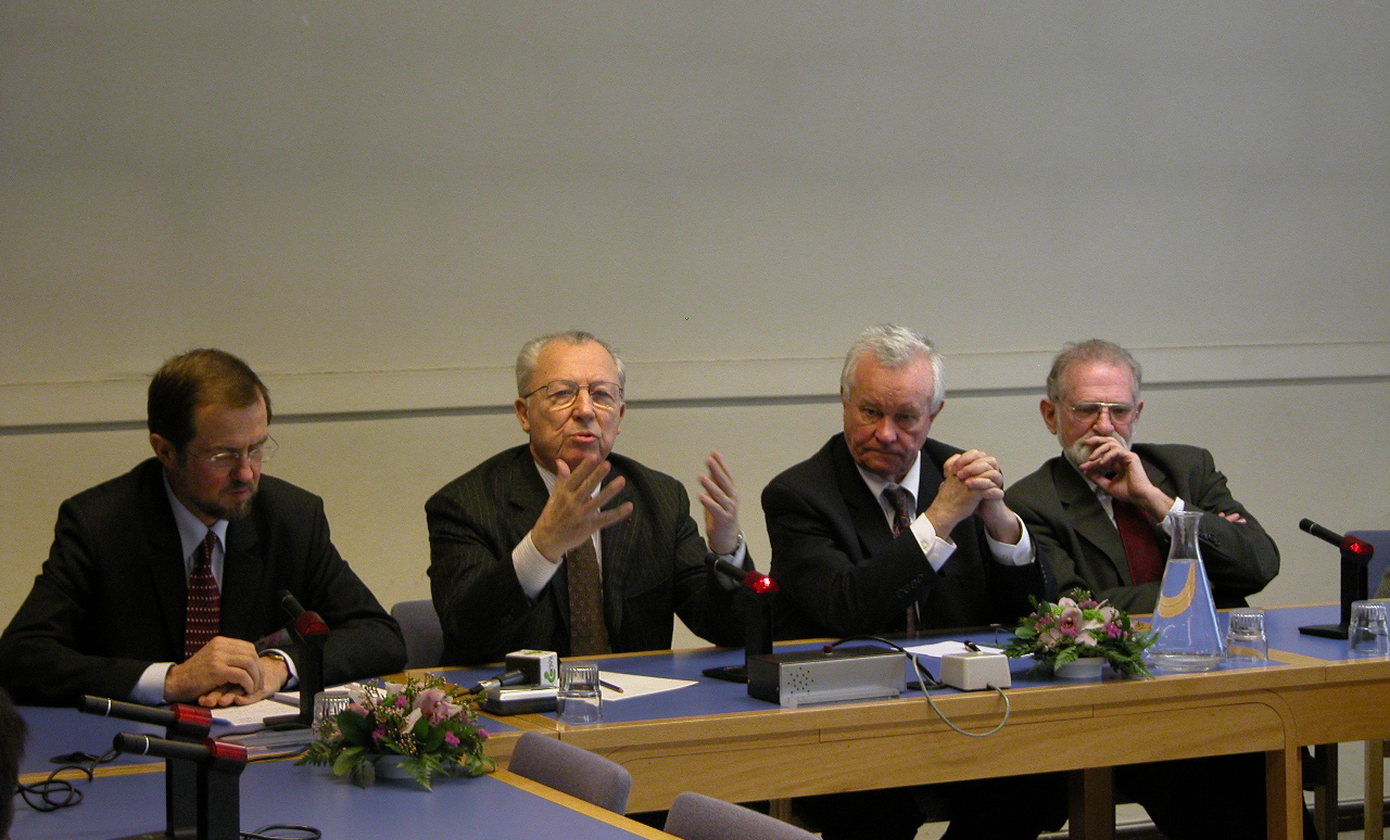 Mr Alojz PETERLE, Mr Jacques DELORS, Mr Roger Briesch, Prof. Bronislav GEREMEK