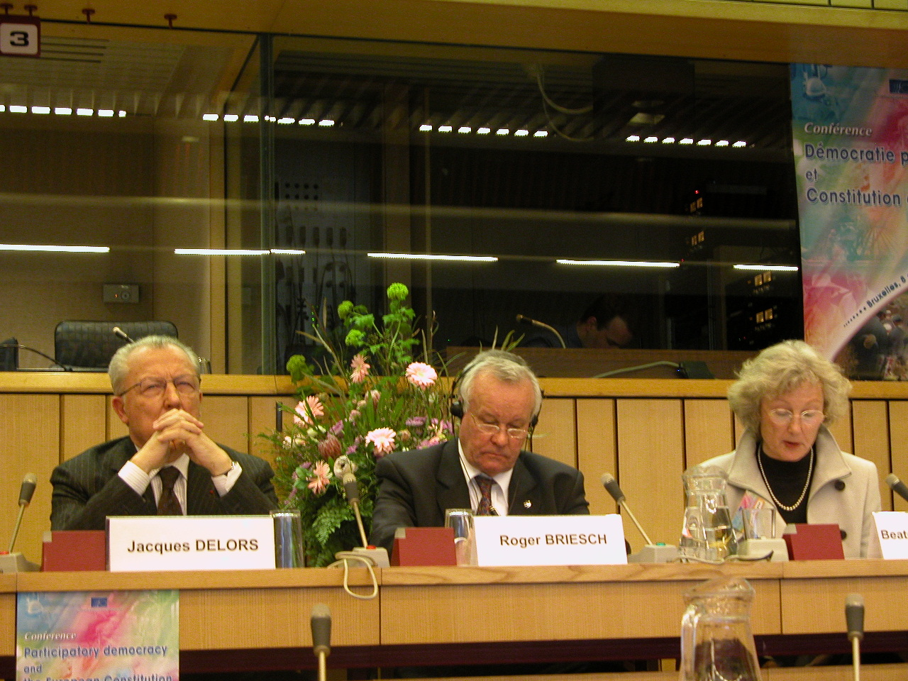 Mr Jacques DELORS, President of the Research and Policy Group Notre Europe, Mr Roger Briesch, President of the EESC, Prof. Beate KOHLER-KOCH, Social Science Faculty, University of Mannheim (Germany)
