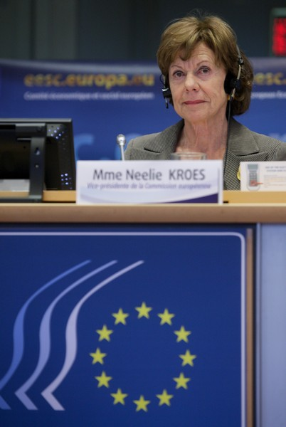 Neelie Kroes at the EESC plenary session