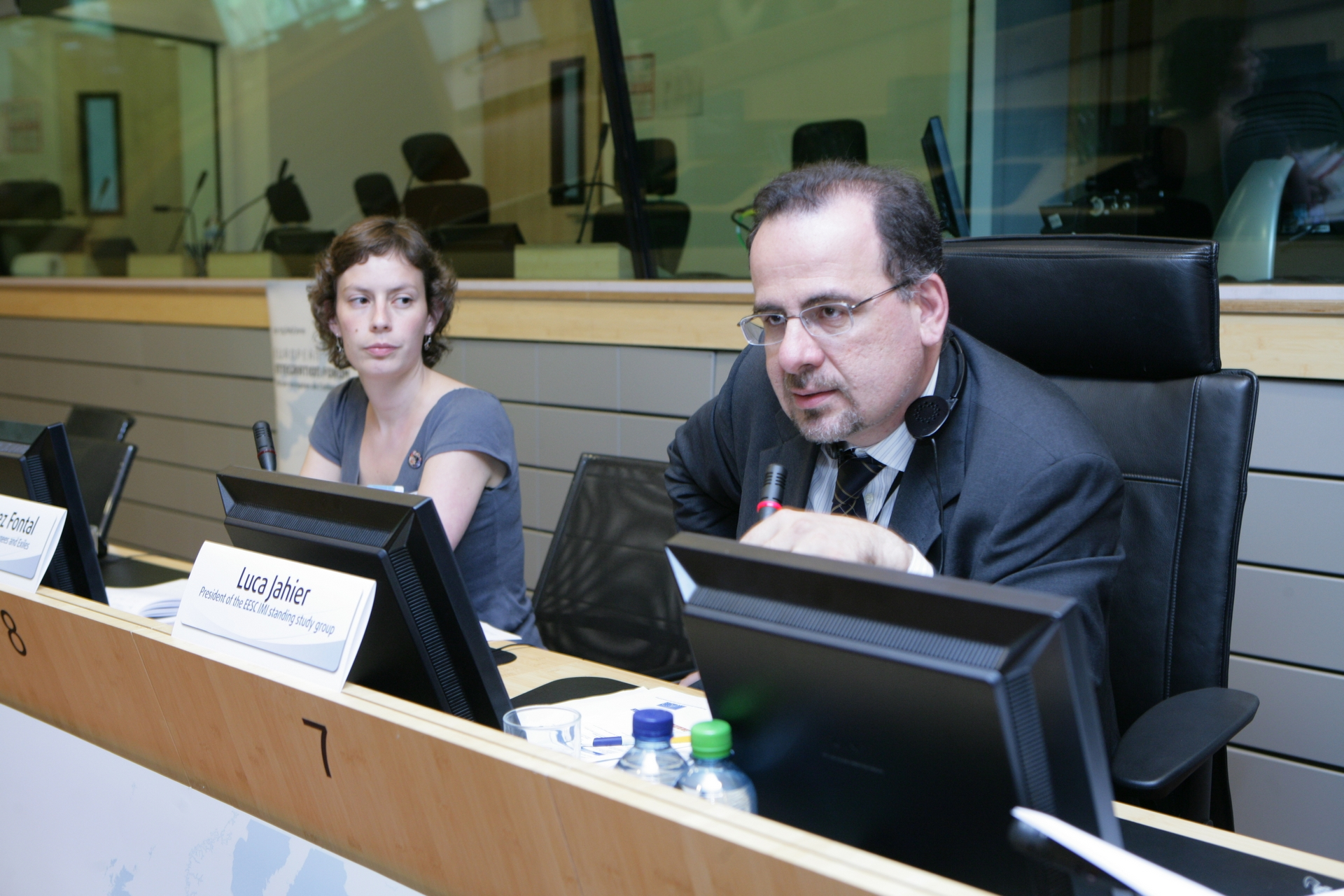 """13. Luca Jahier, EESC Member, chairing the workshop on """"Training Migrants to Communicate in the Media"""""""