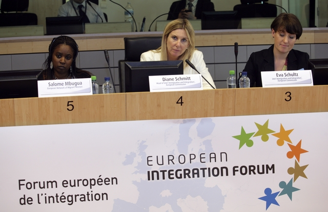 """14. Workshop of group B chaired by Diane Schmitt and Eva Schulz from the European Commission (DG JLS, Unit """"Immigration and Integration"""")"""