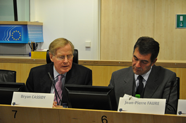 From left to right: Bryan Cassidy, Chairman of the INT section and Jean-Pierre Faure, Head of the SMO secretariat