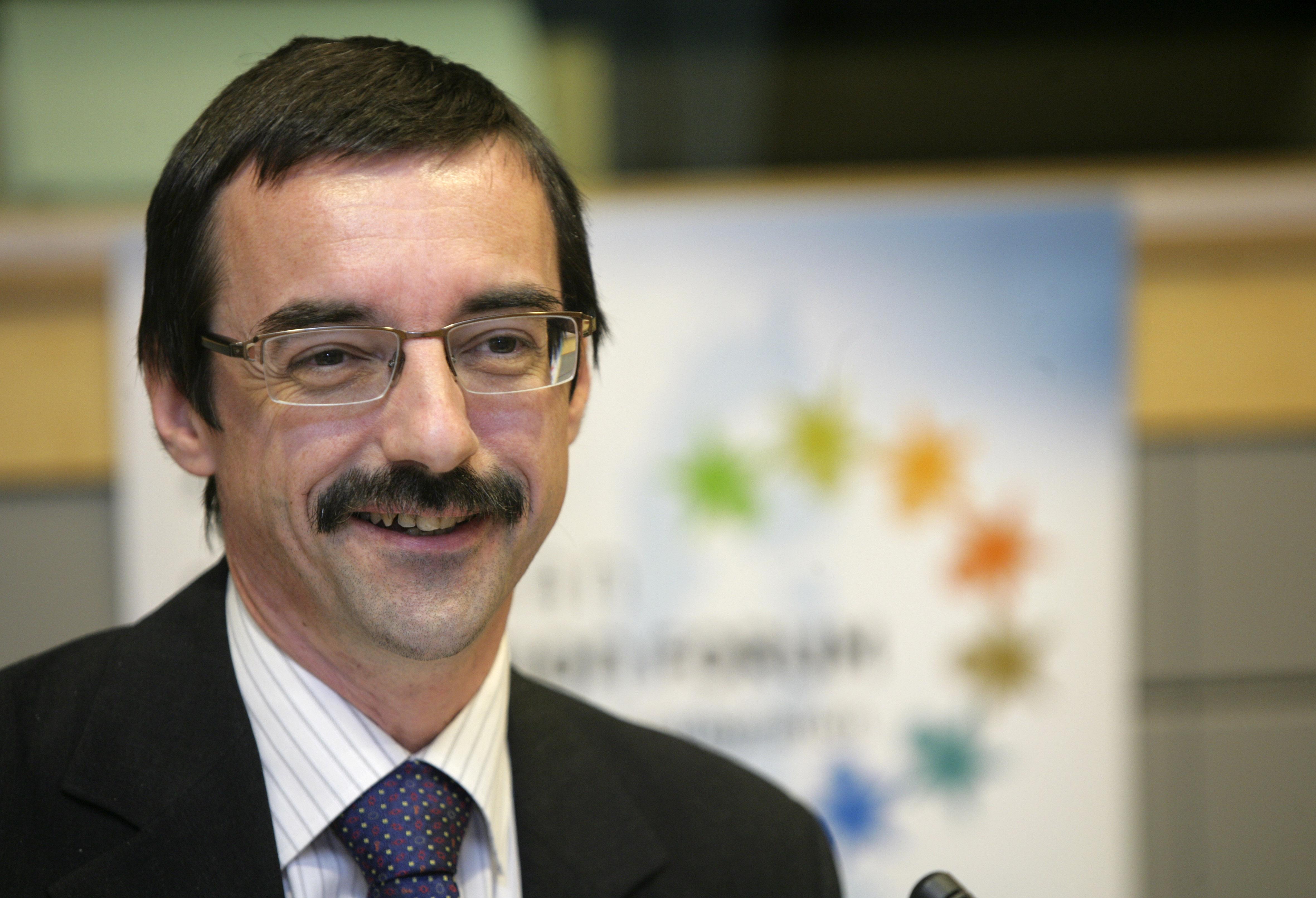 10. Peter Verhaeghe, representative of the EU umbrella organisations in the Forum's Bureau
