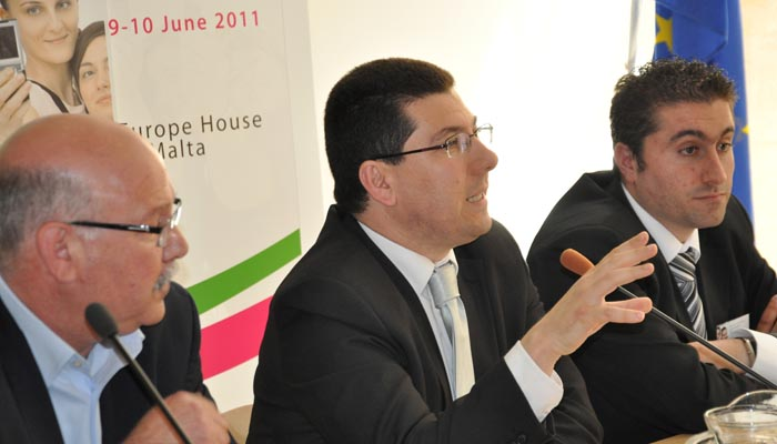 9 June 2011 - Panel I - Youth involvement in democracy  - Mr Gejtu Vella, Secretary General - Union Haddiema Maghqudin (UHM) ˆ (Malta Workers' Union), Mr Clyde Puli, Maltese Parliamentary Secretary of Youth and Sport and Mr Matthew Vella, President of ...