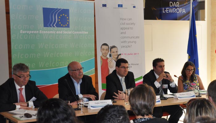 9 June 2011 - Panel I - Youth involvement in democracy - Mr Jacek Krawczyk, EESC Vice-President, Mr Gejtu Vella, Secretary General - Union Haddiema Maghqudin (UHM) ˆ (Malta Workers' Union), Mr Clyde Puli, Maltese Parliamentary Secretary of Youth and Sp...
