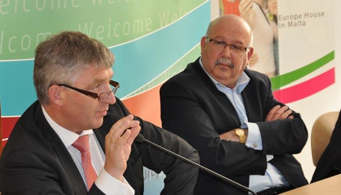 9 june 2011 - Panel I - Youth involvement in democracy - Mr Jacek Krawczyk, EESC Vice-President, Mr Gejtu Vella, Secretary General - Union Haddiema Maghqudin (UHM) ˆ (Malta Workers' Union)