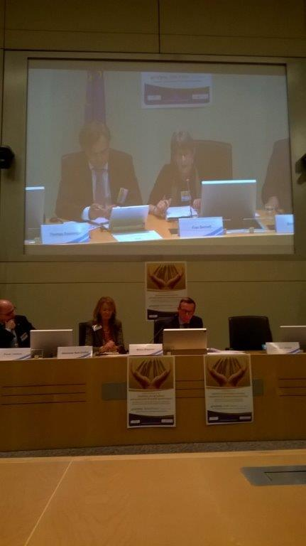 Speaker Ms Fran Bennett (on the screen), Mr Wagener and Ms Nati-Stoffel, Vice-president and Secretary-General of the Luxembourg ESC