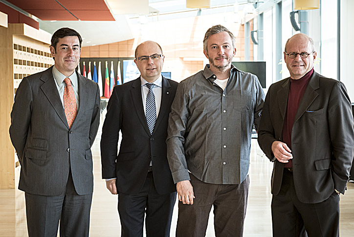 from left to right: EESC Vice President Gonçalo Lobo Xavier, SOC Section President Pavel Trantina, photo journalist Giles Duley, Group II Member Peter Schmidt