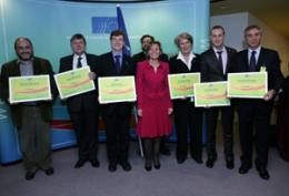 EESC Vice-President Irini Pari with the winners of the third EESC civil society prize