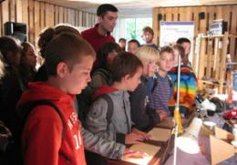 A school visiting the Pallet house